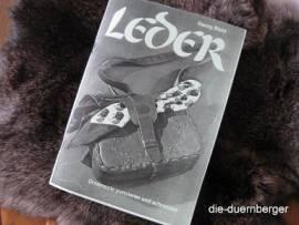 Broschüre Leder mit Schnittbogen - Bild vergrößern