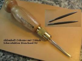 Ahlenheft mit 1 Schwertahle von Osborne <--nähahle//--> - Bild vergrößern