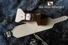 Armband Leder mit Dorn-Schnalle - Bild vergrößern