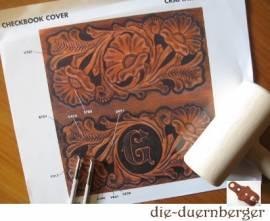 72055 Craftaid Checkbook Cover  - Bild vergrößern